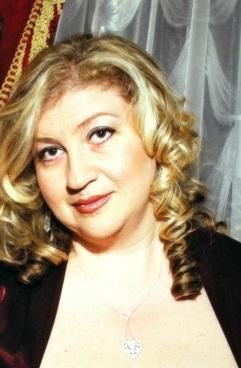 Irina Shapiro, author of THE HANDS OF TIME